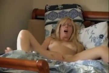 captured-wife-sucking-a-shemale