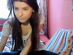 Sexy teen shows ass on webcam