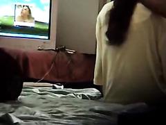 порно сестра застукала брата за дрочкой