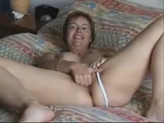 Скрытая мастурбация зрелые дамы