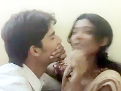 Mumbai College Girl Kissing
