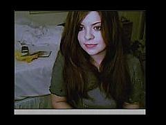 Very sexy teen posing in front of her webcam.