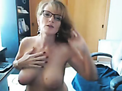 This babe shows me her hot boobs