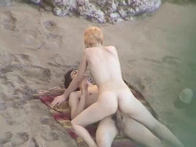 proletami-nizhe-skritaya-porno-lezbiyanok-stratmor-kivnul