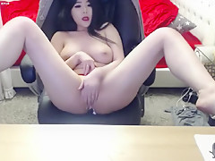 Bimbo Is Removing Her Clothes