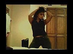 Curvy webcam girl dancing