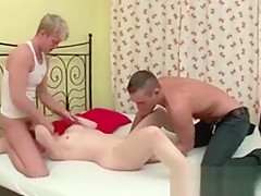 Amateurs Having Fun Licking That Old Pussy