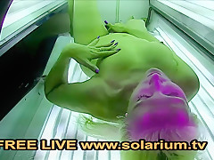Solarium Blonde Milf fingers herself in the Public Voyeur solarium.tv
