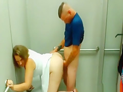 Couple gets off making a sex tape in a changing room
