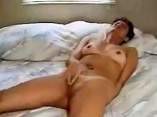 Extreme vibrating dildo