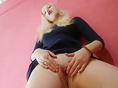 Beautiful Teen SchoolGirl Shows Wet Pussy FOR YOU