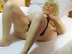 Aunt Sue blonde wig