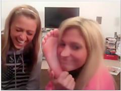 chatroulette girls feet!!!!