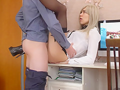 Secretary Was Fucked On Office Desk, Her Tight Pussy Got Multiple Orgasms!