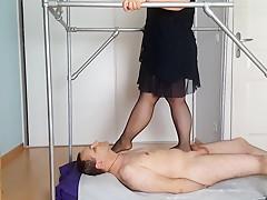 Video demandee : Pietinement en nylon