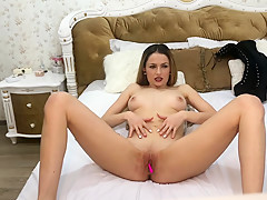 Amyjolie loud screaming orgasm part 1