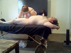 Guy get BJ from Hot Masseuse