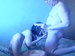 Horny nerd girl is better in sucking than playing fortnite after quick date