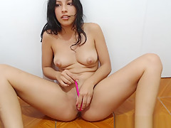 Hottest Shaved Whore Squirting Webcam Sex Show