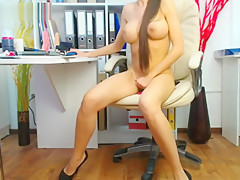 Sexy Shaved Close Up Play