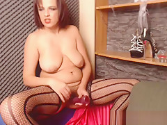 Chelsea4you webcam model using toy on her hairy pussy