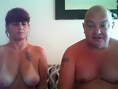 жена с мужем трахают служанку