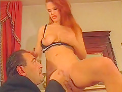 Amateur Tunisian Milf Fingering Her Hairy Pussy