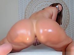 Jess Ryan Twerking Nude