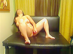 Gold Show Squirt Hot Amateur Girl Big Ass and Tits