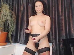 Mistress show how she fuck a sexy faggy