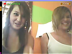 Two sexy teens play dirty games