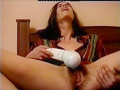 Horny Wife masturbating her hairy pussy, see the contractions