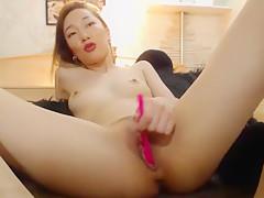 Solo Asian Camchick Pleasuring Herself - TheGFNetwork