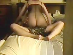 мужчина вылизывает вагину женщине когда ее трахают