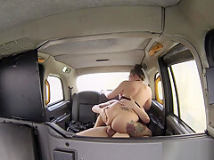 Spex taxi driver dickriding before doggystyle