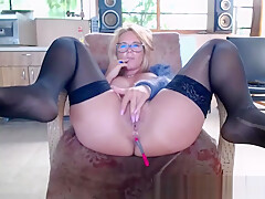 Fat ass blonde MILF camgirl in stockings fingering on webcam