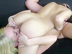Les sorority dildo sucking and pussy licking