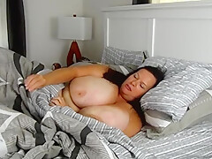 Good-looking buxomy experienced woman in private amateur XXX video