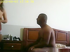 Black guy makes a sextape with his asian gf