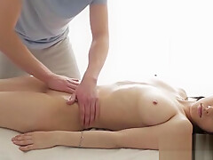 Oriental slut really enjoys making out with her fuckmate