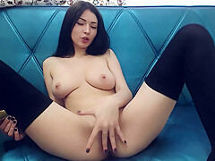 Sexy camgirl romanian girl plays with herself