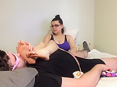 Homemade Sweaty Teen Foot Worship... fresh out of her slippers !!!