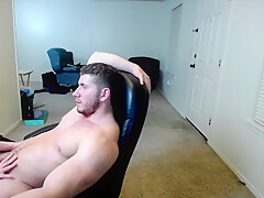 Wonderful muscular guy jerking off with GF