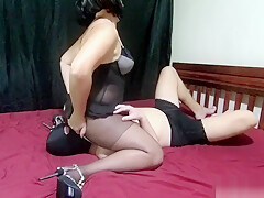 Mistress Lusinda amazing facesitting and ass licking