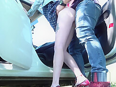 Professional Pickup - Fucked teen in the car and on the street (ANAL)