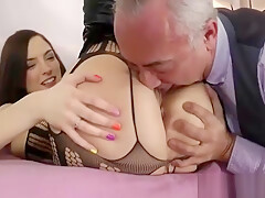 Slutty brit amateur gets herself off