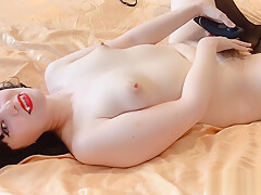 Horny Giant Succubus Traps Tiny Man Between Clit and Sex Toy