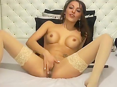Babe Lorrette In Sexy Lingerie Masturbating Herself Live...
